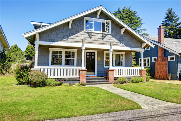 3 Things You Should Replace if You Want to Sell Your Home This Summer